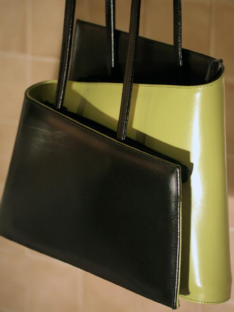 sac à main vert et noir